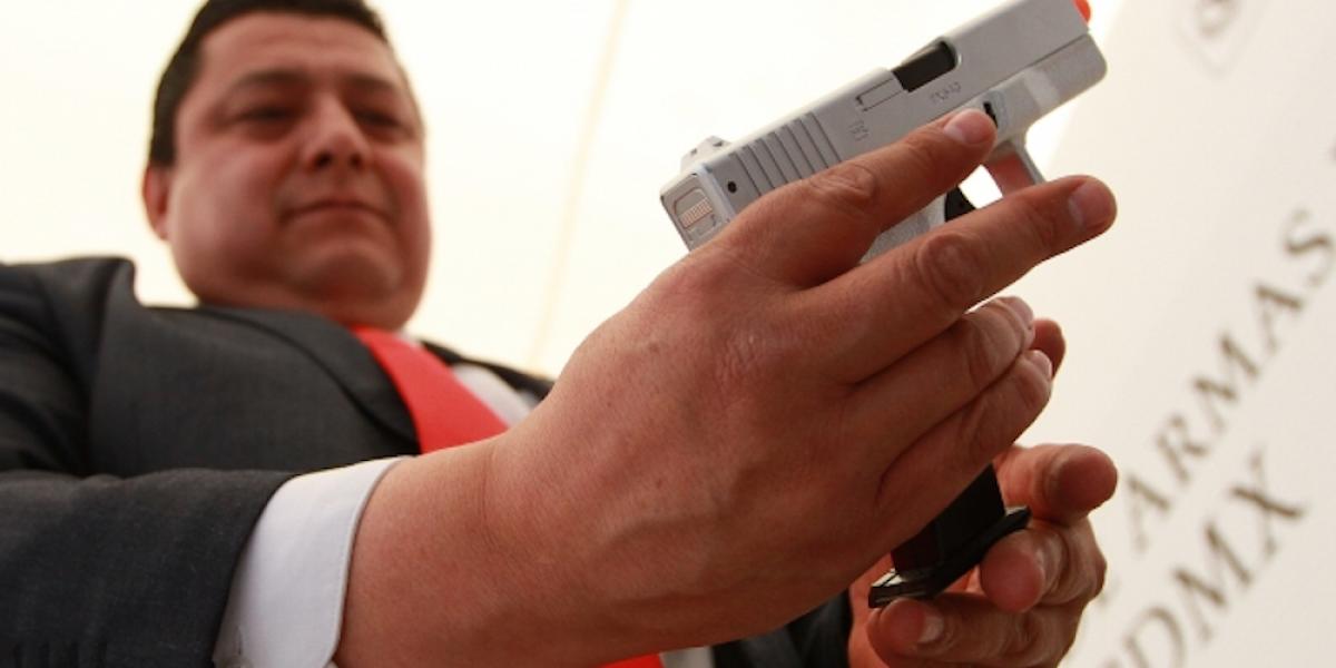 Cinco de cada 10 delitos en la CDMX se cometen con armas de juguete
