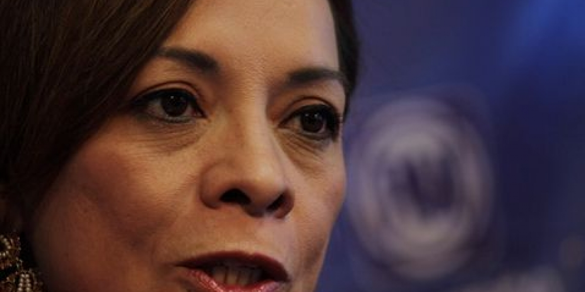 Josefina no convence en su camino a la gubernatura por el Edomex