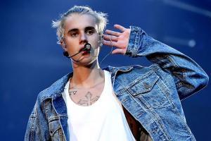 FOTO: Equipo de futbol presume que Justin Bieber portó su jersey