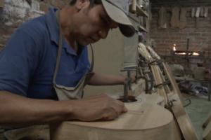 Michoacán es la capital mundial de la guitarra artesanal