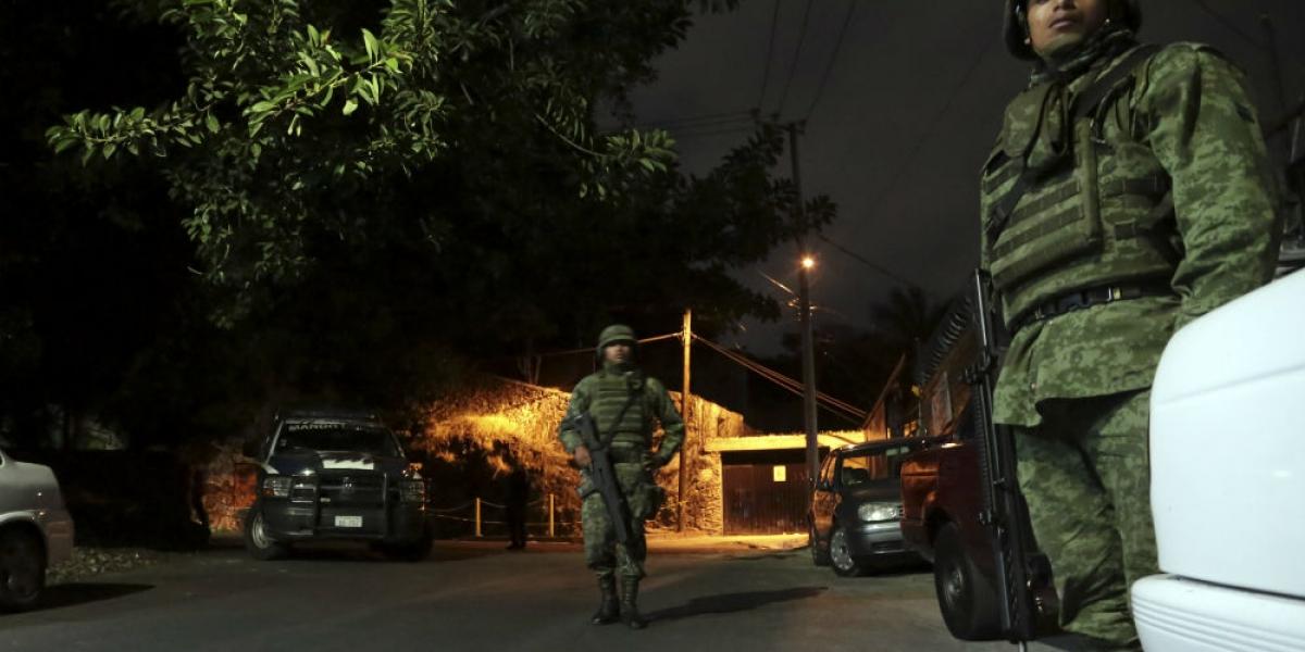 Reino Unido alerta por secuestros, cocodrilos, comida y hasta por baches en México