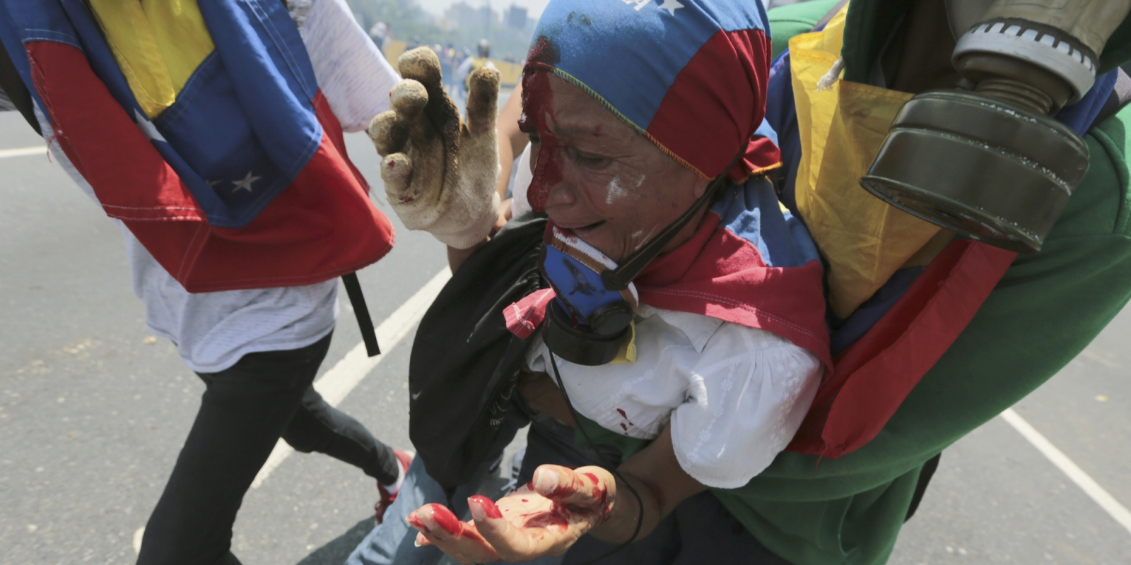 27.p11.2col.venezuela.jpg