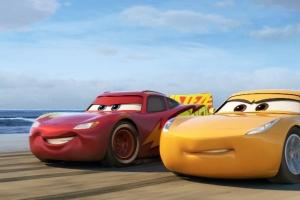 El Rayo McQueen llega a la pista con nuevo tráiler de Cars 3