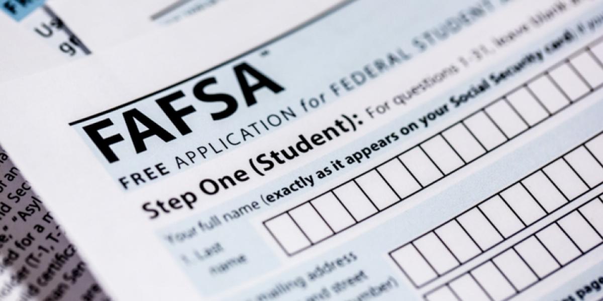 ¿Qué hacer si el código de tu universidad no aparece en la FAFSA?
