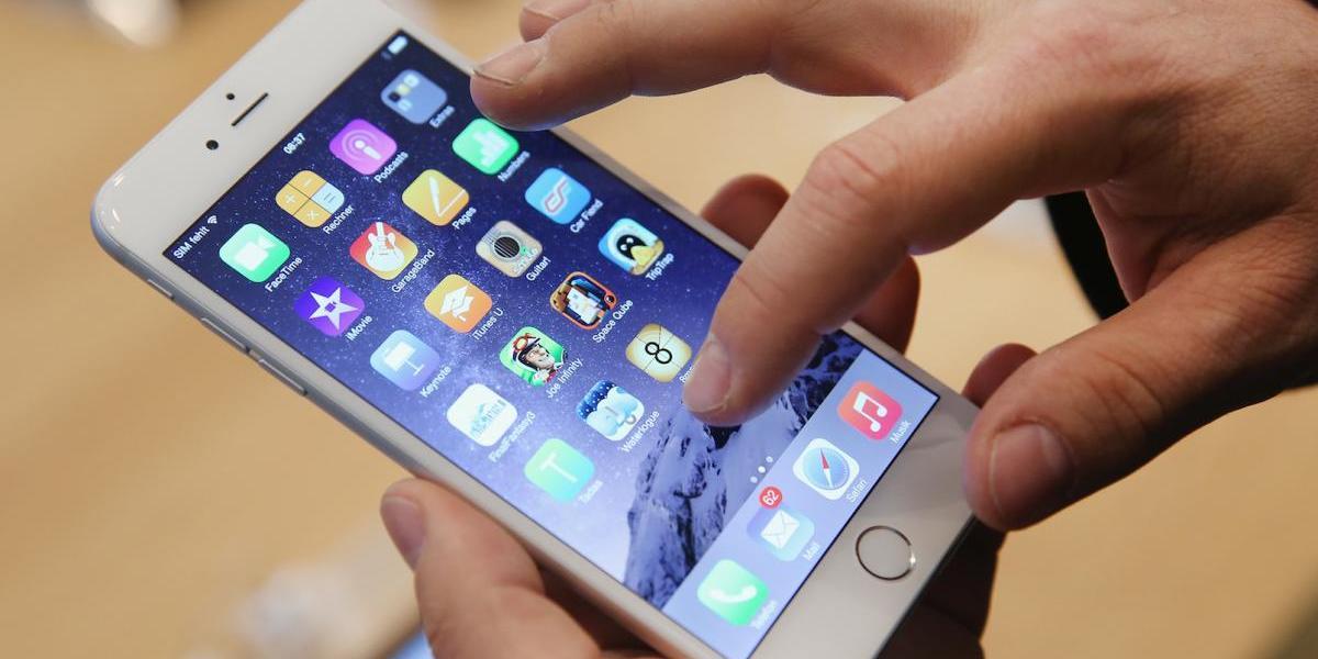 Sale a la luz dummy del iPhone 8... y es igual al primer iPhone de Apple