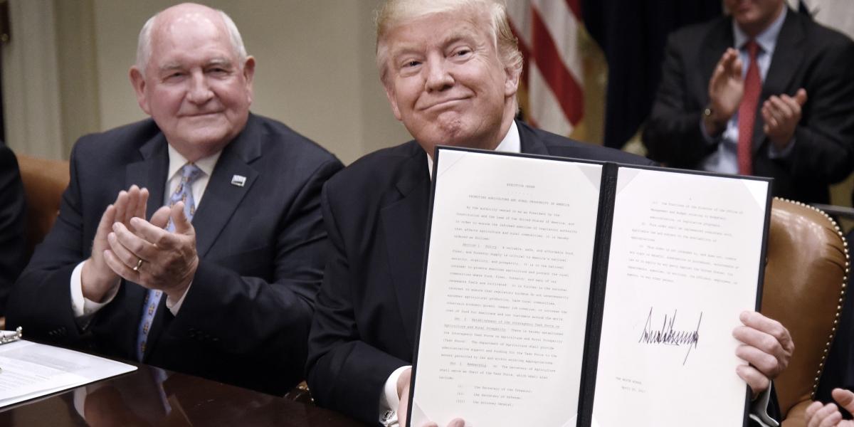 Trump prepara orden ejecutiva para que EU salga del TLCAN
