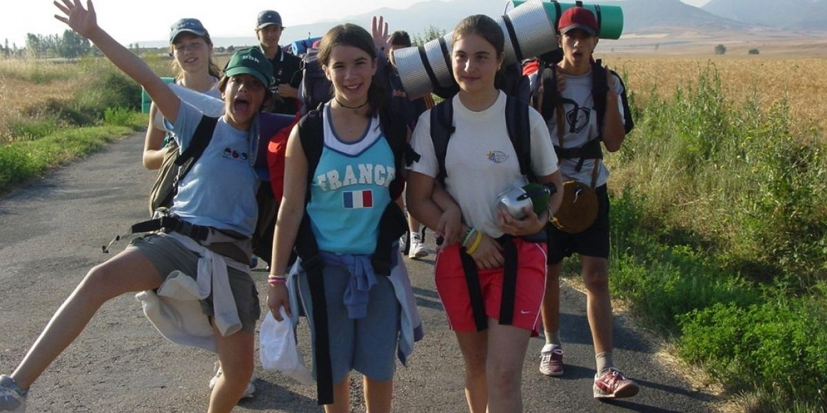 ¿Qué tan conveniente es que los niños viajen solos?