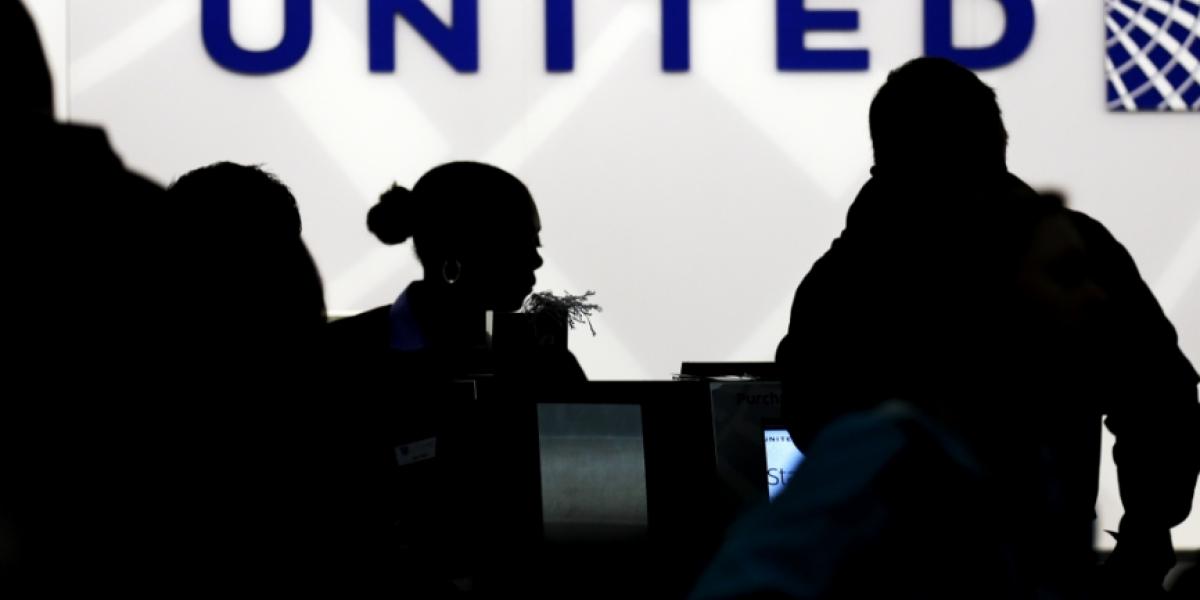 United Airlines investiga muerte de un conejo en vuelo