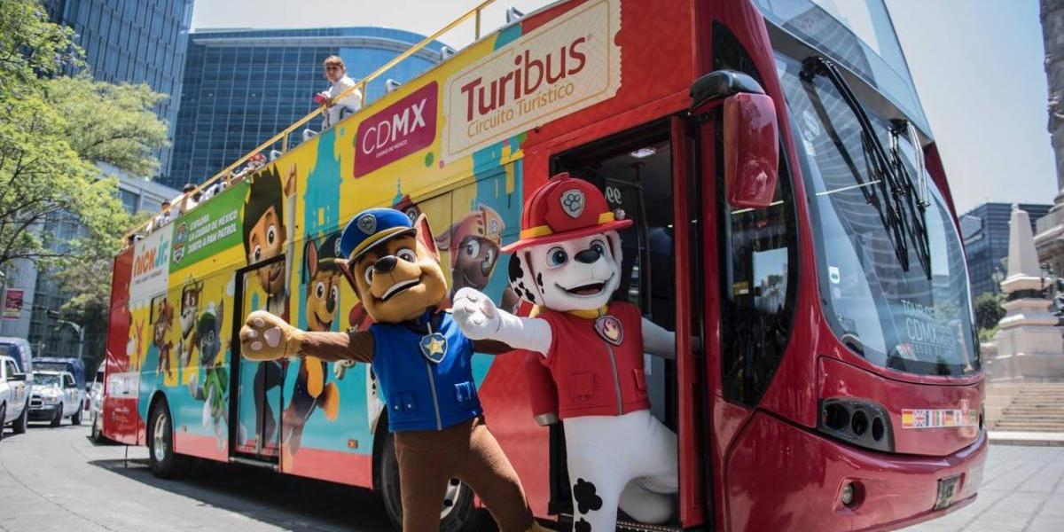 Llega la Paw Patrol al Turibus de la CDMX