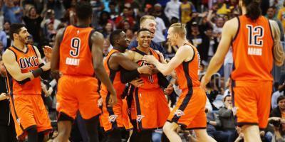 Los Rockets esperan rivales en las semis