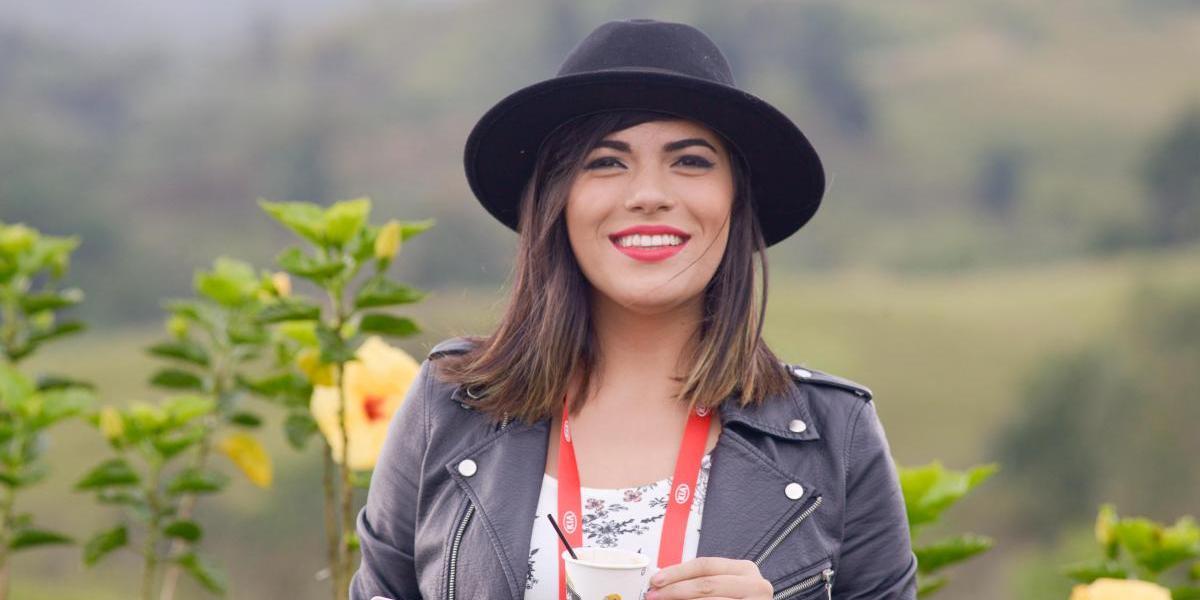 Natalia Lugo, entre música, autos y comedia