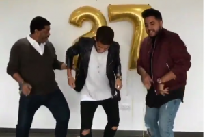 VIDEO: Zizinho presumió sus mejores pasos de baile al lado de sus hijos los Dos Santos