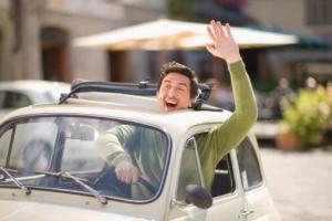 4 malos hábitos que todos debemos evitar y corregir al conducir