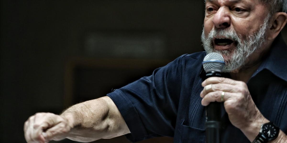 PT lança pré-candidatura de Lula em tom emocional para mostrar unidade