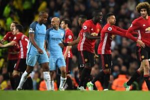 United sale vivo de la casa del City en el derby de Manchester