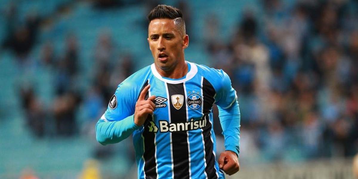 Lucas Barrios anota un hat-trick para Gremio y le da una mano a Iquique en la Libertadores