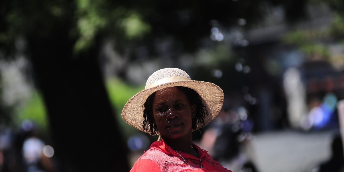 El verano se niega a ceder: fin de semana de altas temperaturas en Santiago