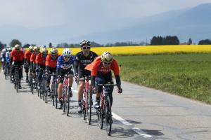 El italiano Viviani se hace con la tercera etapa en el tour de Romandía