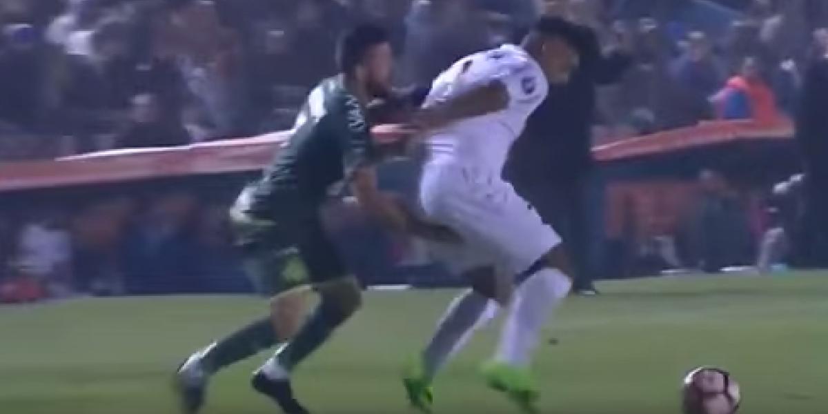 VIDEO: Expulsan a jugador de Chapecoense por