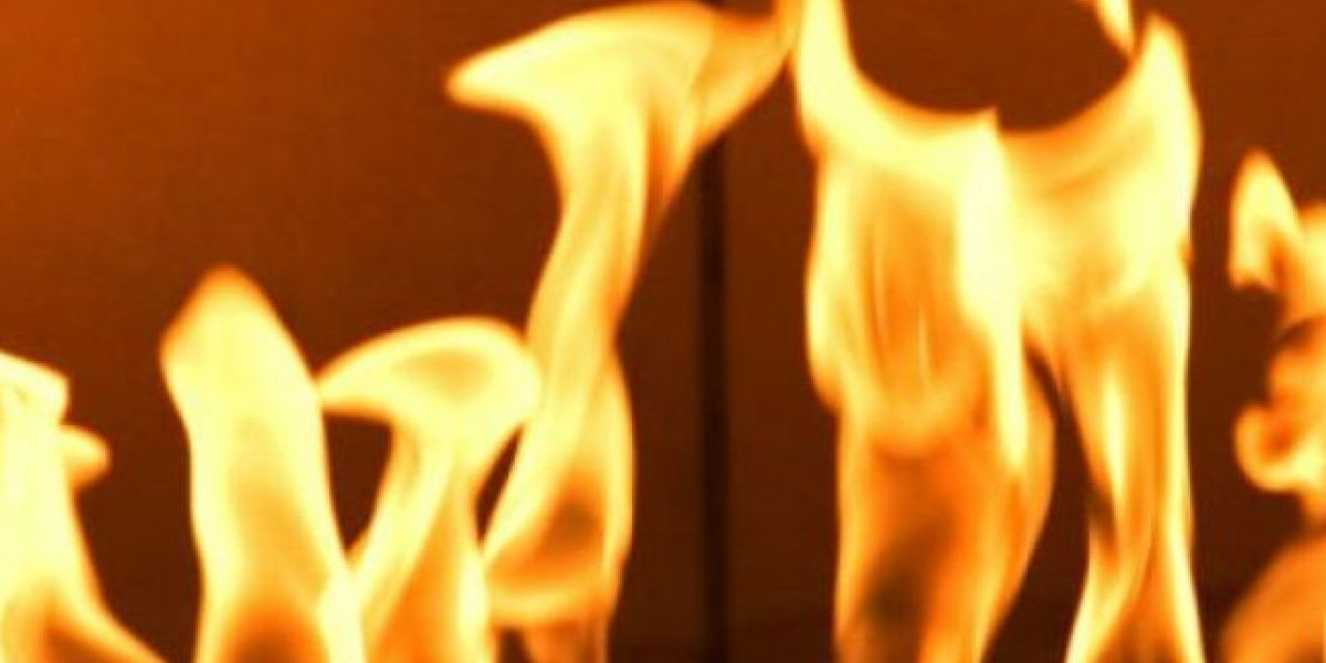 Se incendia funeraria en Arecibo