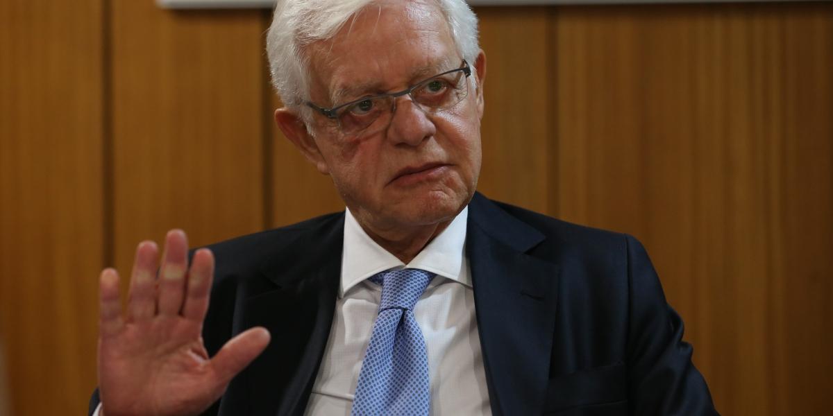 Ex-ministro Moreira Franco é preso em aeroporto do Rio de Janeiro