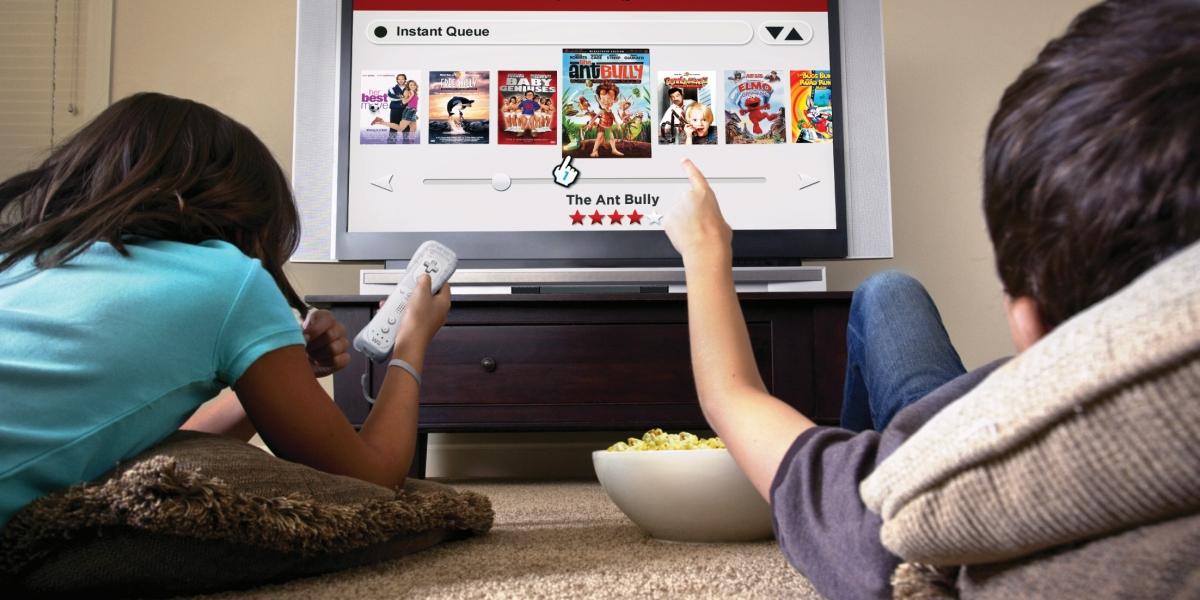 Netflix y Selena Gómez se pronuncian frente a críticas a '13 Reasons Why'