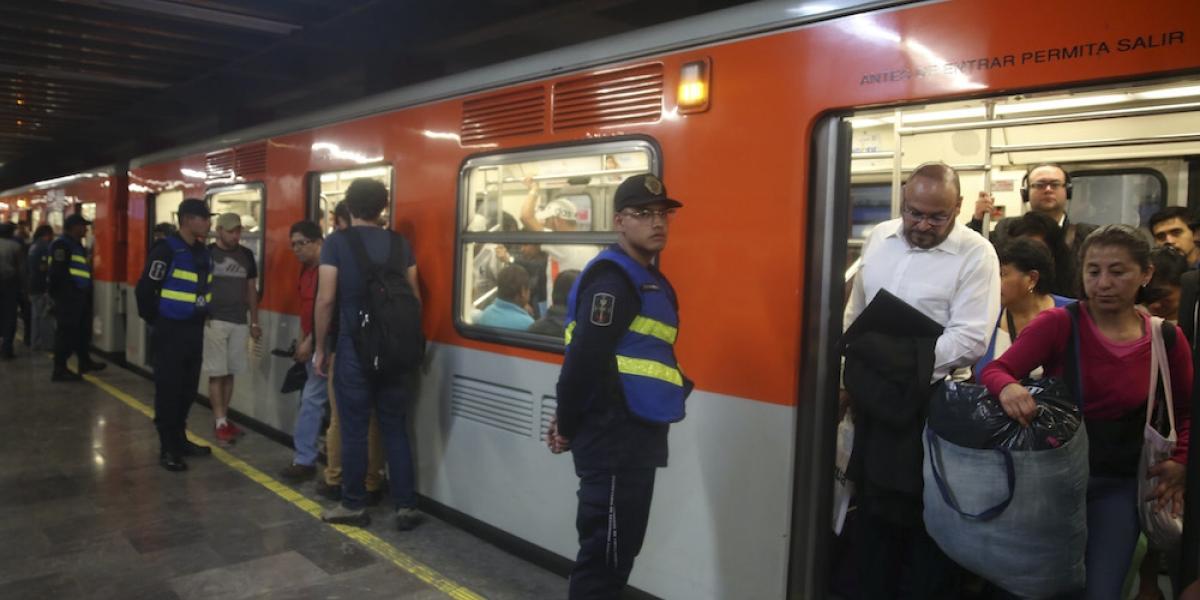 Aumentan usuarios en el Metro tras incremento a tarifa de microbuses