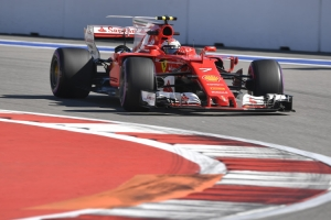 Ferrari domina a Mercedes en libres de Rusia y McLaren vuelve a sucumbir