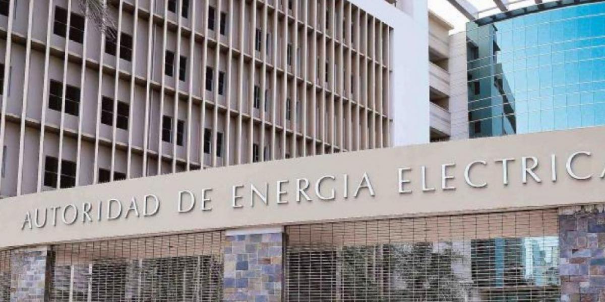 Renuncia presidente de la Junta de Gobierno de la AEE