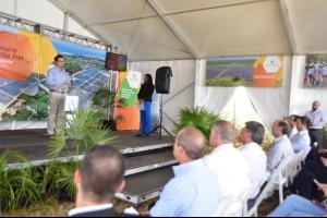 Gobernador participa de inauguración de planta solar en Isabela