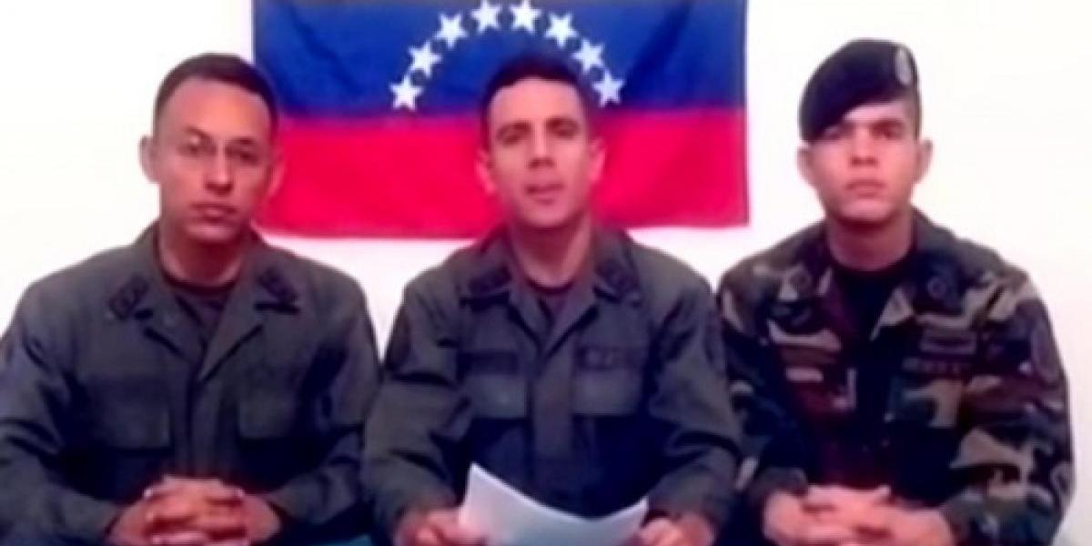 Militares venezolanos se rebelan contra Maduro y piden refugio en Colombia