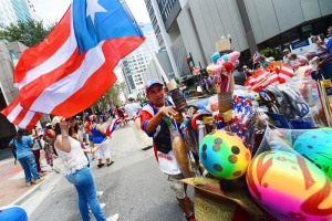 Efusivo desfile puertorriqueño en Orlando