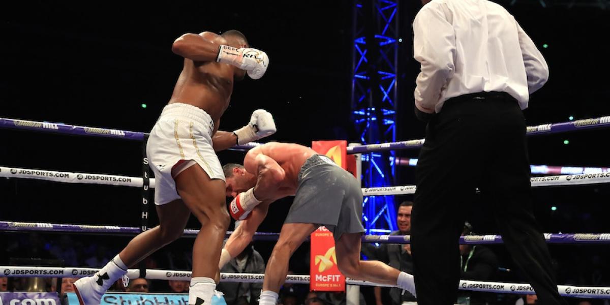 Joshua noquea a Klitschko y retiene título de los pesados