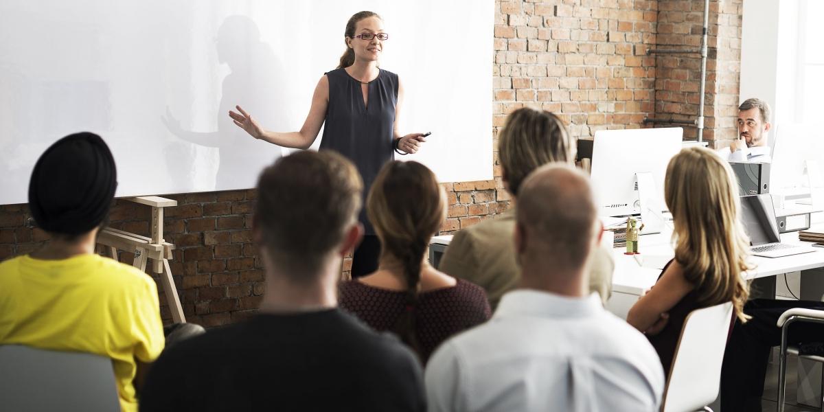 Programas de capacitación y nivelación de estudios cobran cada vez mayor relevancia en las empresas