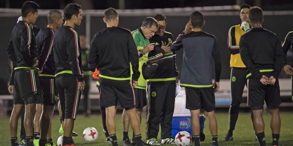 """Directivo de Honduras critica """"favores"""" que Concacaf le hace a México"""