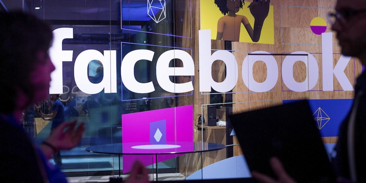 Facebook dice que luchará contra información falsa en línea