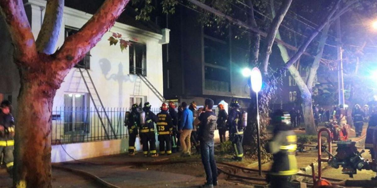 Dos ancianas fallecen en incendio en hogar en Providencia