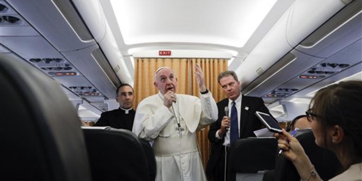 Papa Francisco pide fin a la violencia en Venezuela
