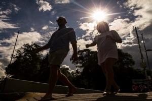 Continuarán altas temperaturas en gran parte del país