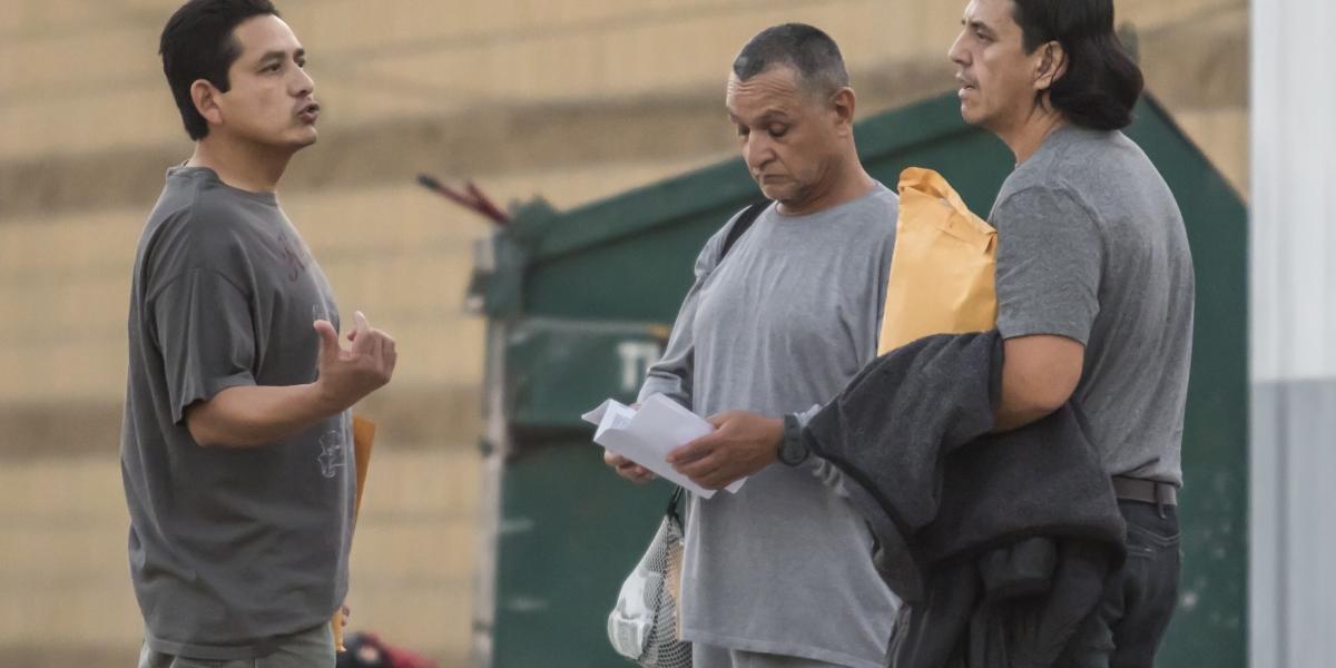 STPS debe informar sobre plazas y sueldos para deportados: INAI