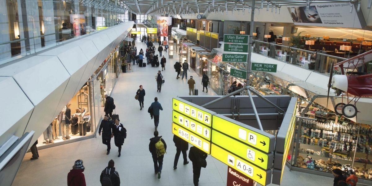 Menores de edad ya no podrán viajar dentro del país sin un documento de identidad