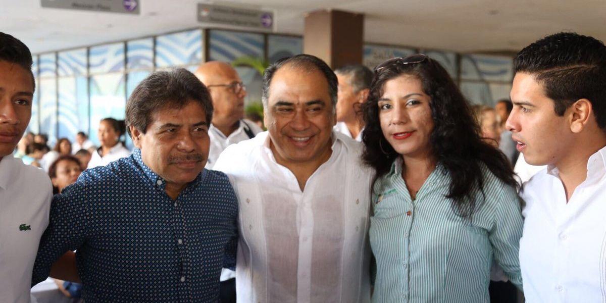 """Héctor Astudillo pide a la clase obrera dejar la discrepancia y a """"caminar unidos"""""""