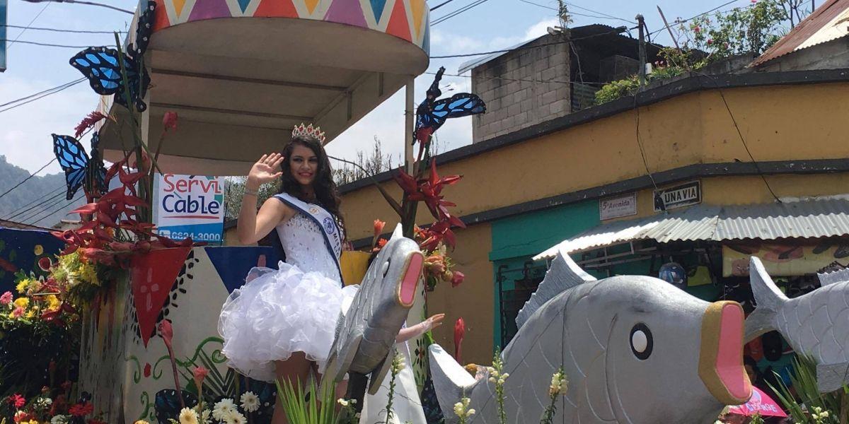 Se realiza desfile inaugural de la Feria de la Cruz, en Amatitlán
