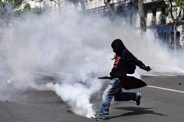 Le Pen apoya introducir una moneda nacional para Francia