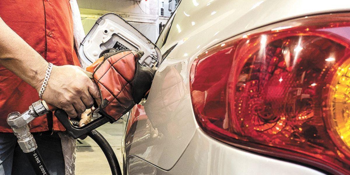 Gasolina e diesel ficam mais baratos