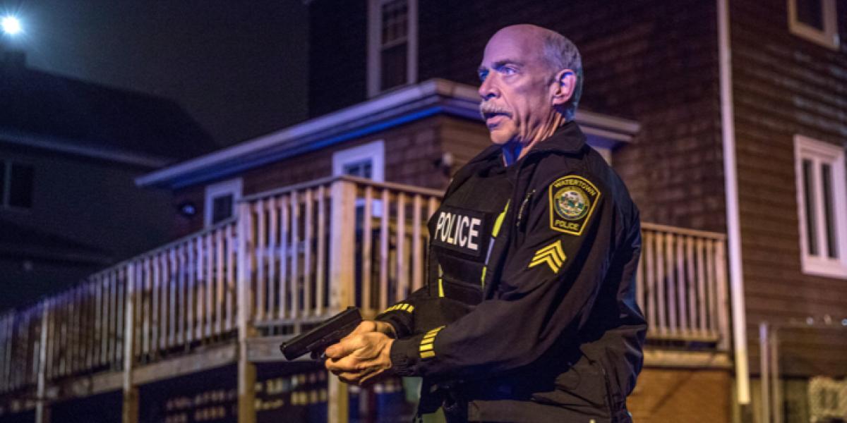 J.K. Simmons se convierte en héroe en 'Día del atentado'