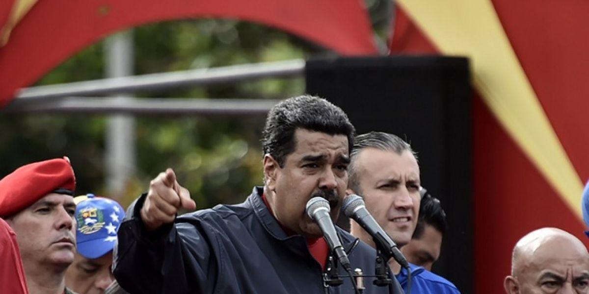 """Maduro convoca a """"asamblea ciudadana"""" para una nueva Constitución en Venezuela"""