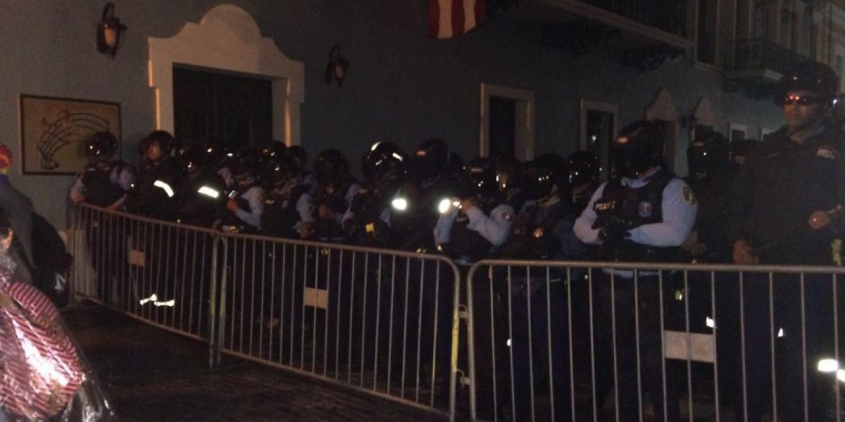 Inician protestas frente a La Fortaleza
