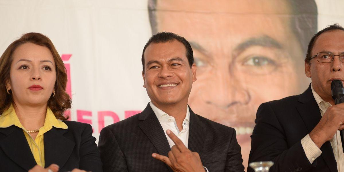 Juan Zepeda rechaza que vaya declinar por Delfina Gómez