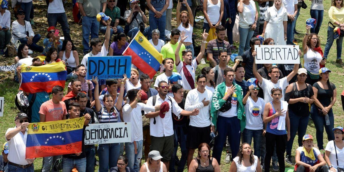 Fuerzas Armadas de Venezuela respaldan proceso constituyente de Maduro